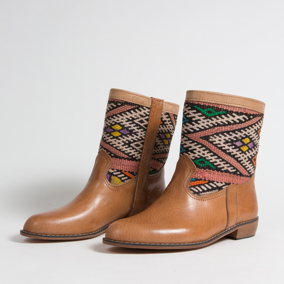 Bottines Kilim - images/kilim/bottines/loc7-01-41-kilim-artisanat-cuir-ethnique-marocaine-bottine-femme-s.jpg