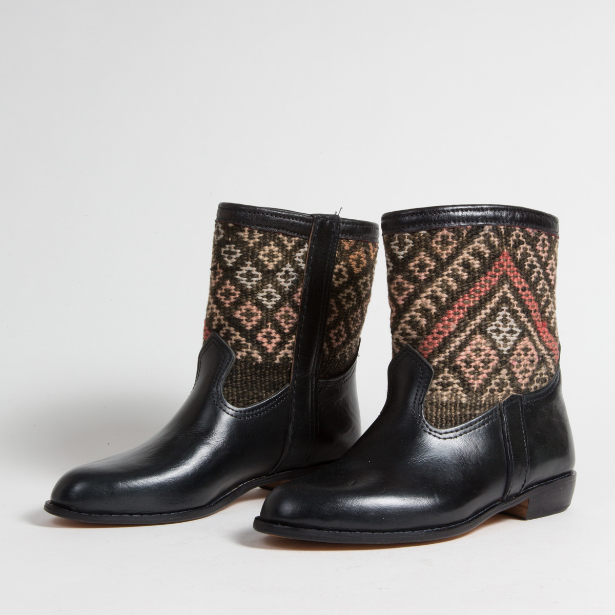 Bottines Kilim - images/kilim/bottines/rpn24-01-40-kilim-artisanat-cuir-ethnique-marocaine-bottine-femme-s.jpg