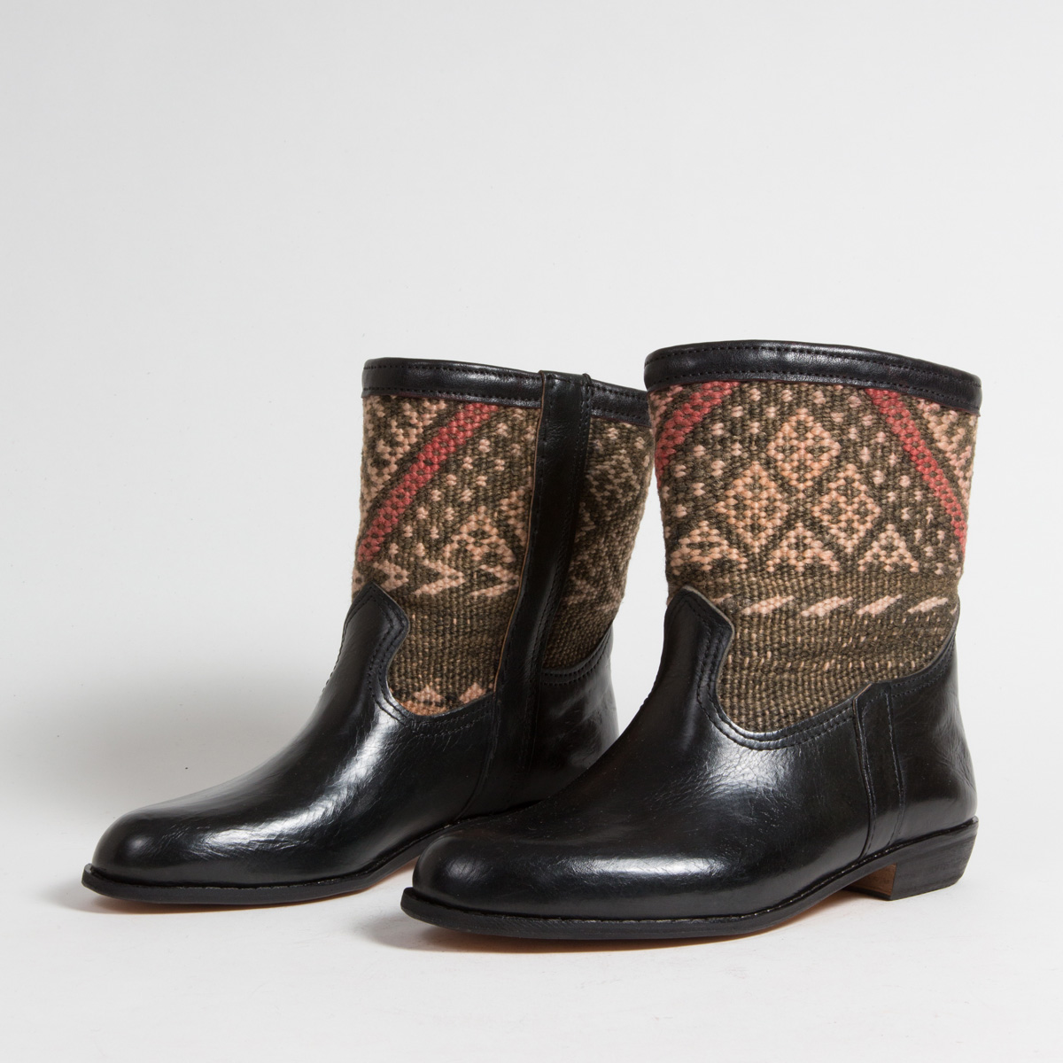 Bottines Kilim - images/kilim/bottines/rpn29-01-41-kilim-artisanat-cuir-ethnique-marocaine-bottine-femme-s.jpg