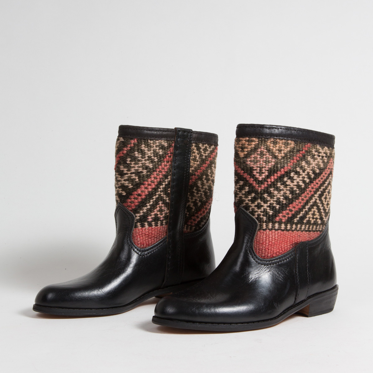 Bottines Kilim - images/kilim/bottines/rpn7-01-38-kilim-artisanat-cuir-ethnique-marocaine-bottine-femme-s.jpg